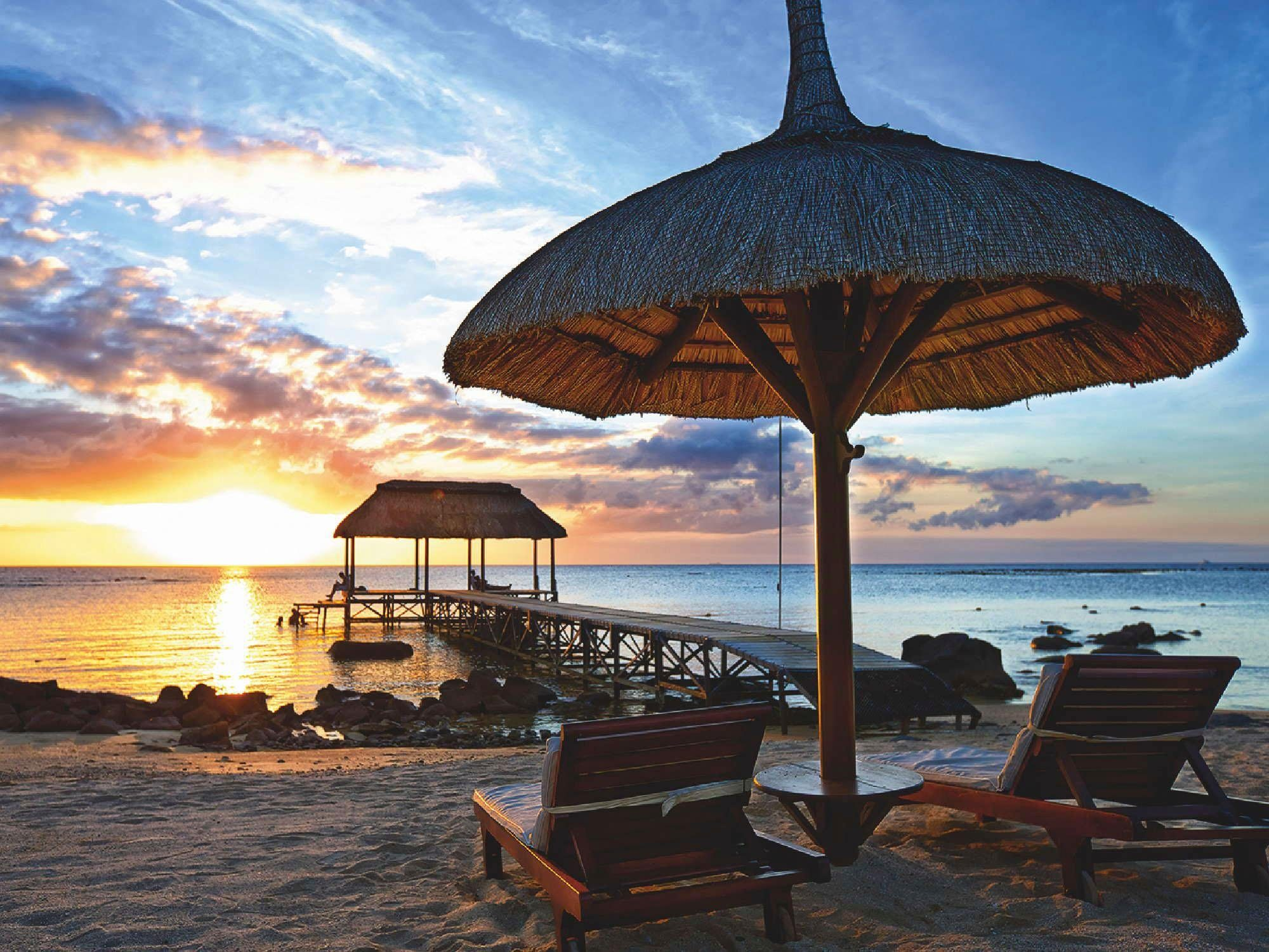 Home affaire Glasbild »Sonnenuntergang auf Mauritius Island«, Strand, Meer, 80/60 cm