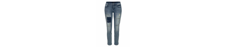 Arizona Boyfriend-Jeans mit Destroyed Effekten und Patches, 7/8 Länge