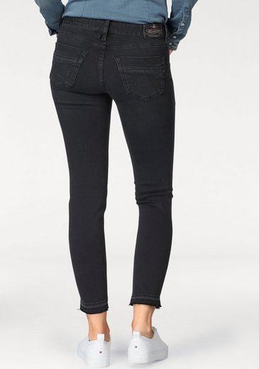 Herrlicher Slim-fit-Jeans Touch Cropped, mit ausgefranstem Saum