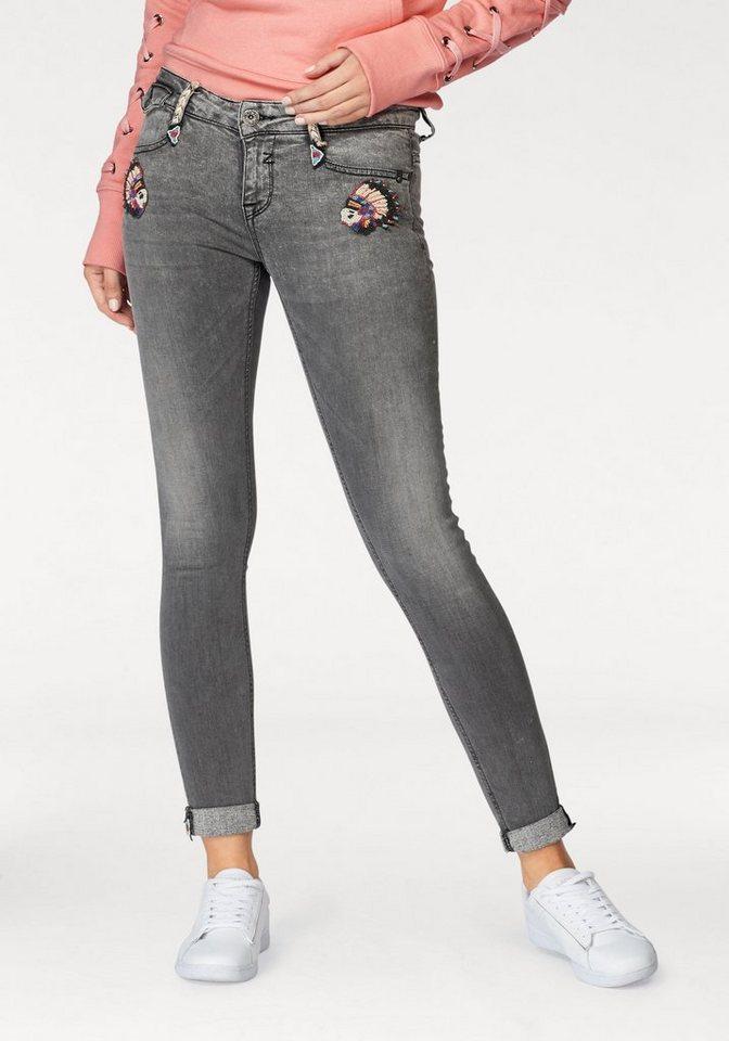 96e351529864 Zhrill Skinny-fit-Jeans »MIA« mit besonderen Flecht- und Perlendetails