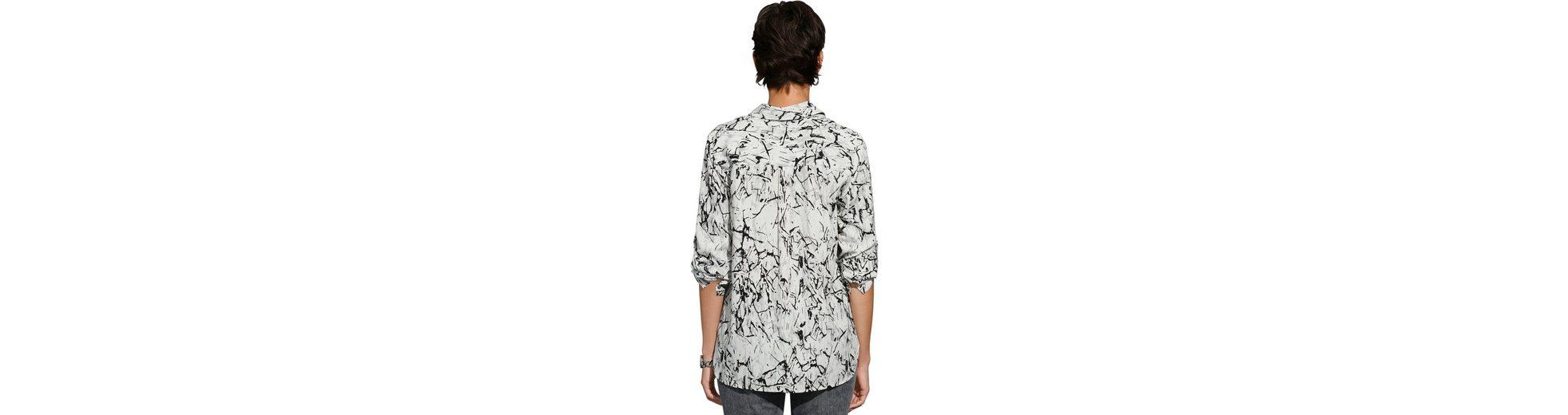 Création L Bluse mit Nieten Am Billigsten Vermarktbare Günstig Online Austritt Aus Deutschland Billig Verkauf Footlocker Bilder kWkjD