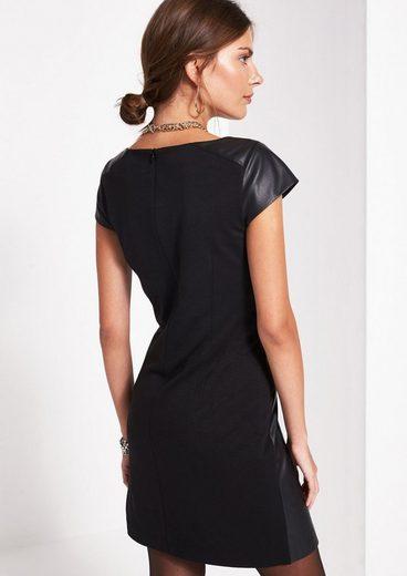 COMMA Kleid aus Lederimitat mit kurzen Ärmeln