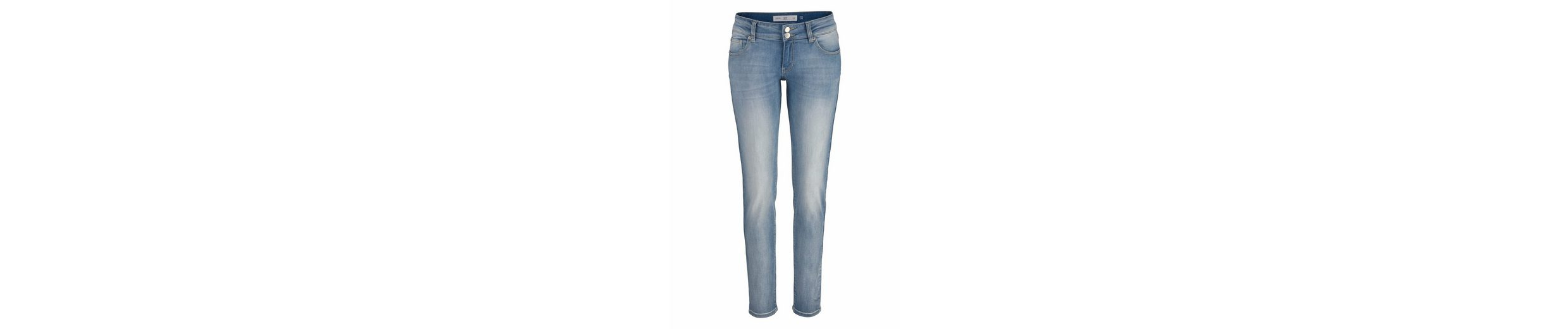 Q/S designed by Slim-fit-Jeans Catie, im Used-Look