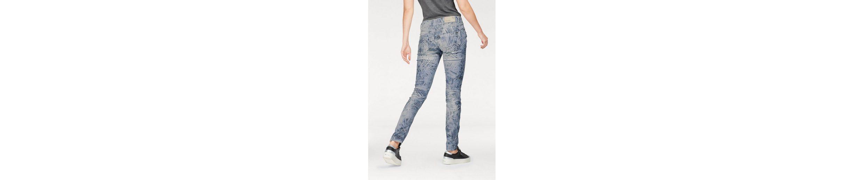Coccara Slim-fit-Jeans BELLA, im Tropical Allover-Design
