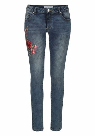Q/S designed by Skinny-fit-Jeans, mit Blumenstickerei
