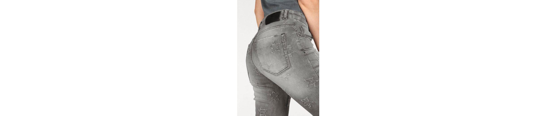 Zhrill Slim-fit-Jeans DANITA, im trendy Sternen-Design