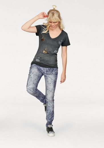Coccara Slim-fit-Jeans BELLA, im Tropical Allover-Design