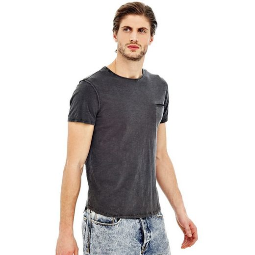 Guess T-shirt Brusttasche