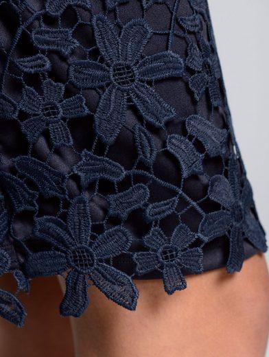 Alba Moda Kleid aus wunderschöner Spitze