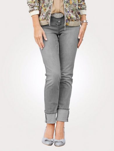 Mona Jeans With Fashionable Waschung