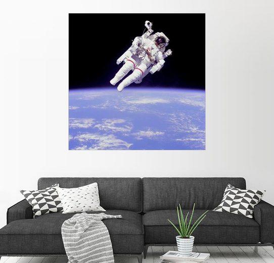 Posterlounge Wandbild »Astronaut Bruce McCandless mit Propeller Ruck...«