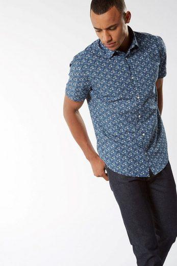 Next Hemd mit kurzen Ärmeln und Bootsmotiv