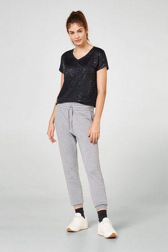 ESPRIT Softes V-Neck-Shirt mit Logo-Print, E-DRY