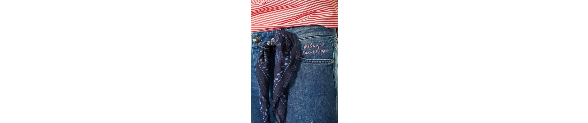 talk about 7/8-Jeans, mit Stickerei