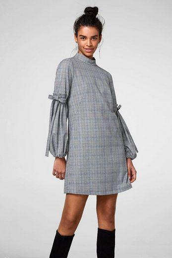 ESPRIT Kariertes Kleid mit auffälligem Ärmeldetail