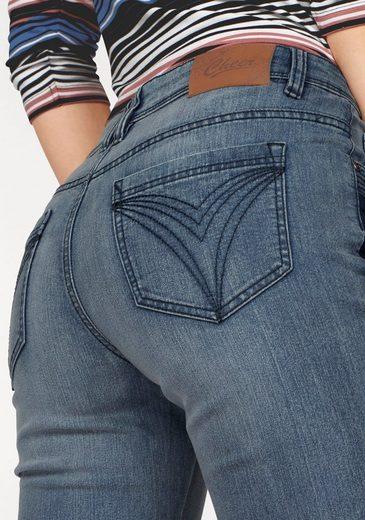 Cheer Straight-Jeans, mit kontrastfarbenen Einsatz in der Seitennaht