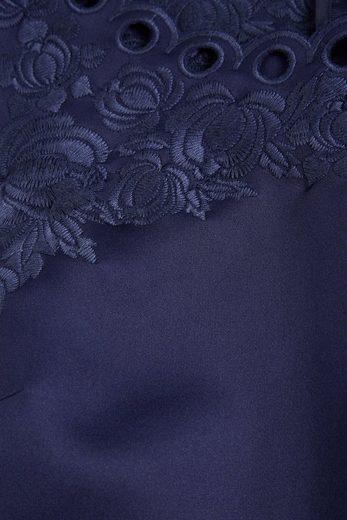 Next Figurbetontes Kleid mit Zierausschnitten