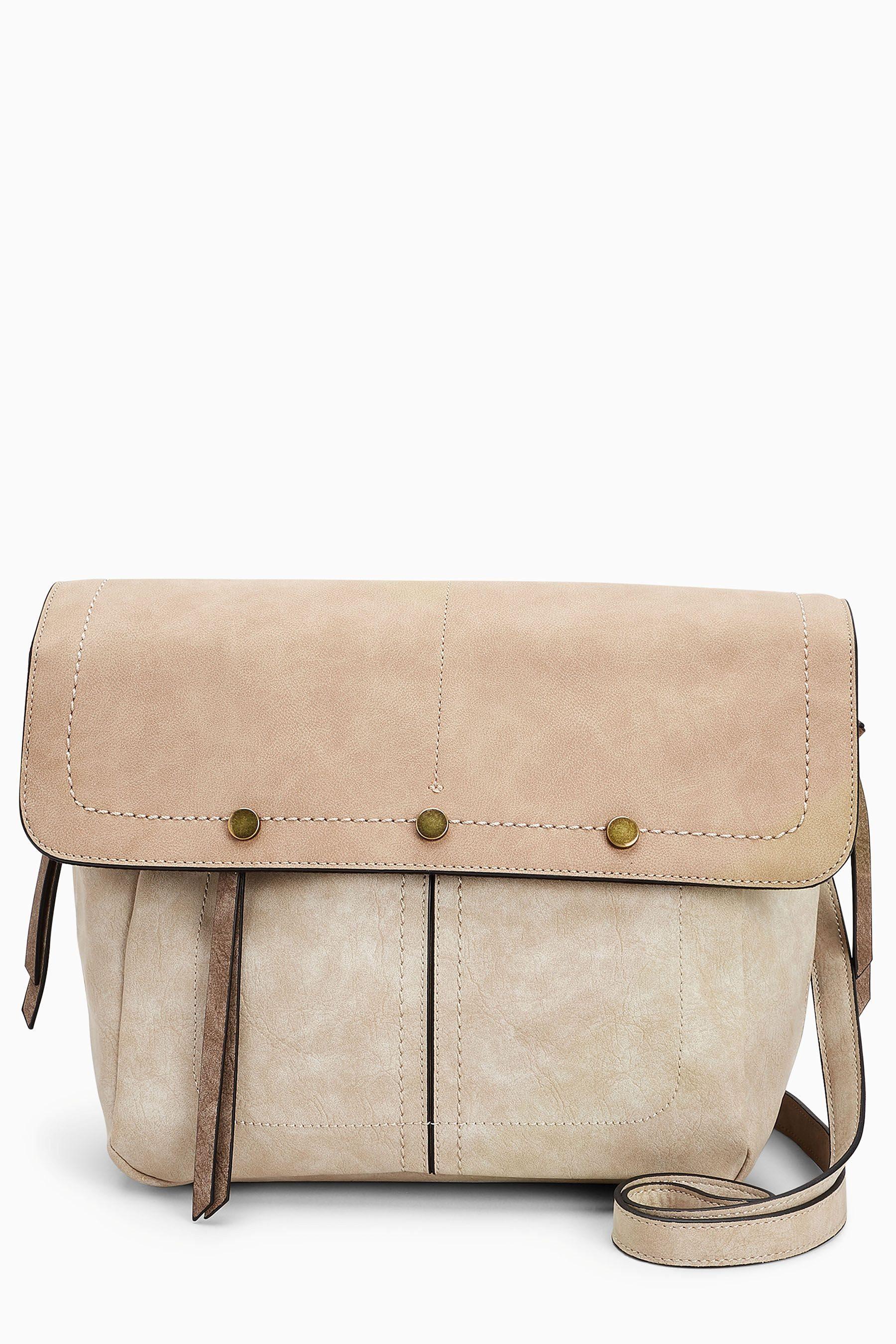 Next Tasche mit Nietendetails