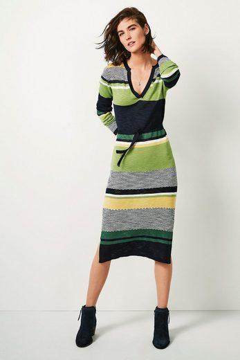 Next Gestreiftes Kleid mit V-Ausschnitt