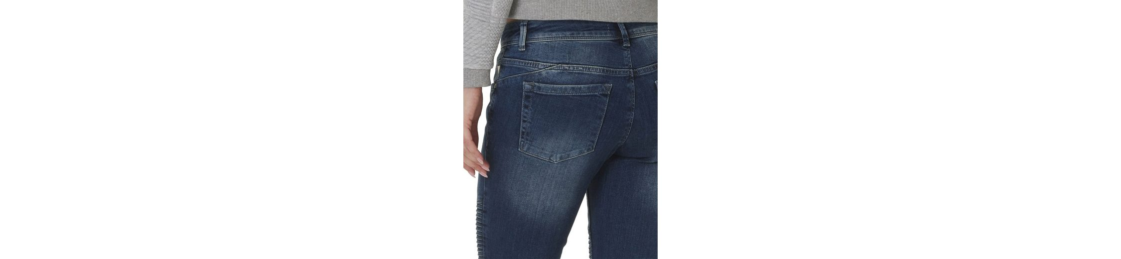 Betty&Co Jeans mit Muster am Knie