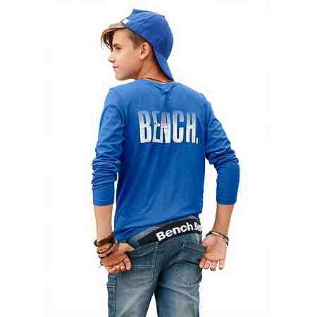 Zur Streetwear für Jungen.