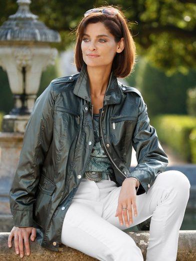 Mona Jacke in schimmernder Qualität