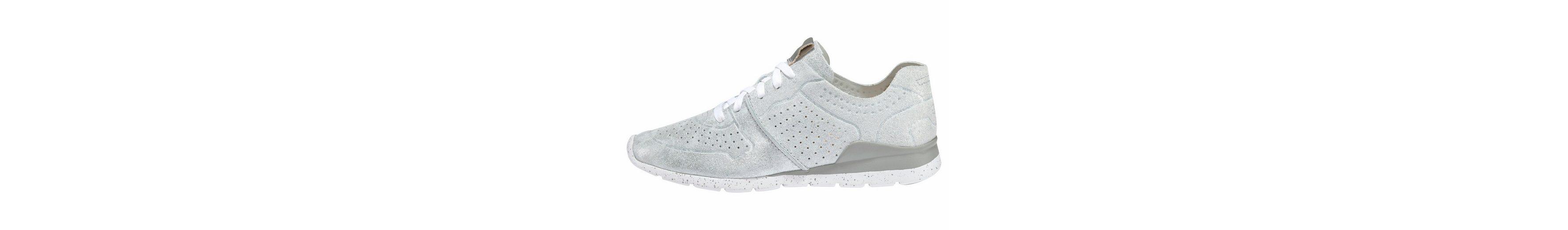 UGG Tye Stardust Sneaker, im trendy Metallic-Look
