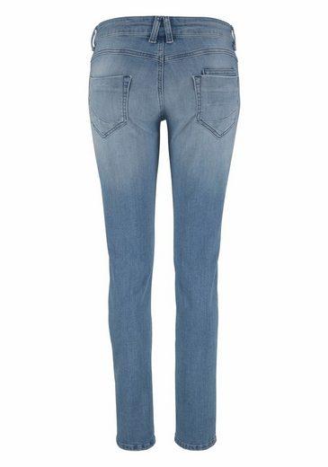 Glücksstern Stretch-Jeans Petra, mit trendy halbverdecktem Knopfverschluss