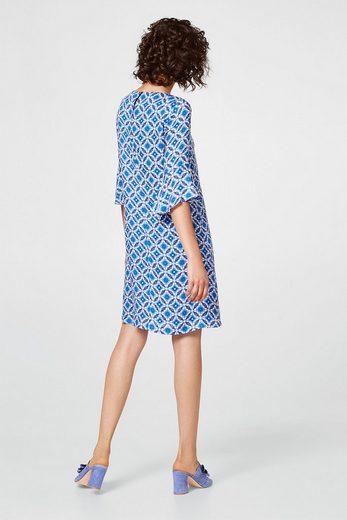 ESPRIT Zartes Kleid mit dekorativem Mosaik-Print