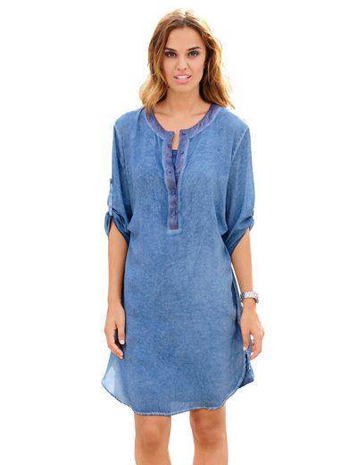 Alba Moda Kleid mit Paillettenbesatz am Ausschnitt