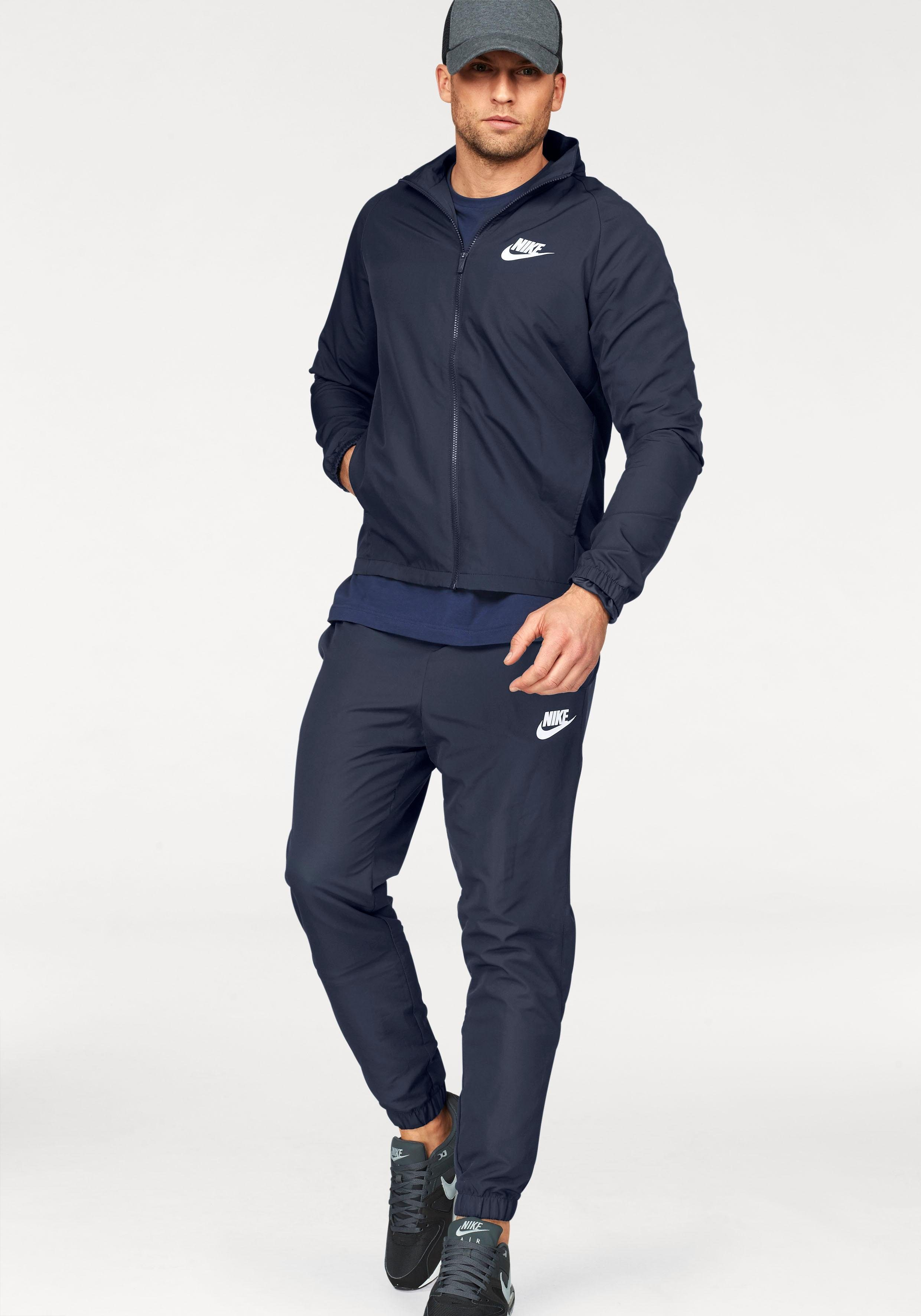 Nike Sportswear Trainingsanzug »TRACK SUIT WOVEN BASIC« (Set, 2 tlg) online kaufen | OTTO
