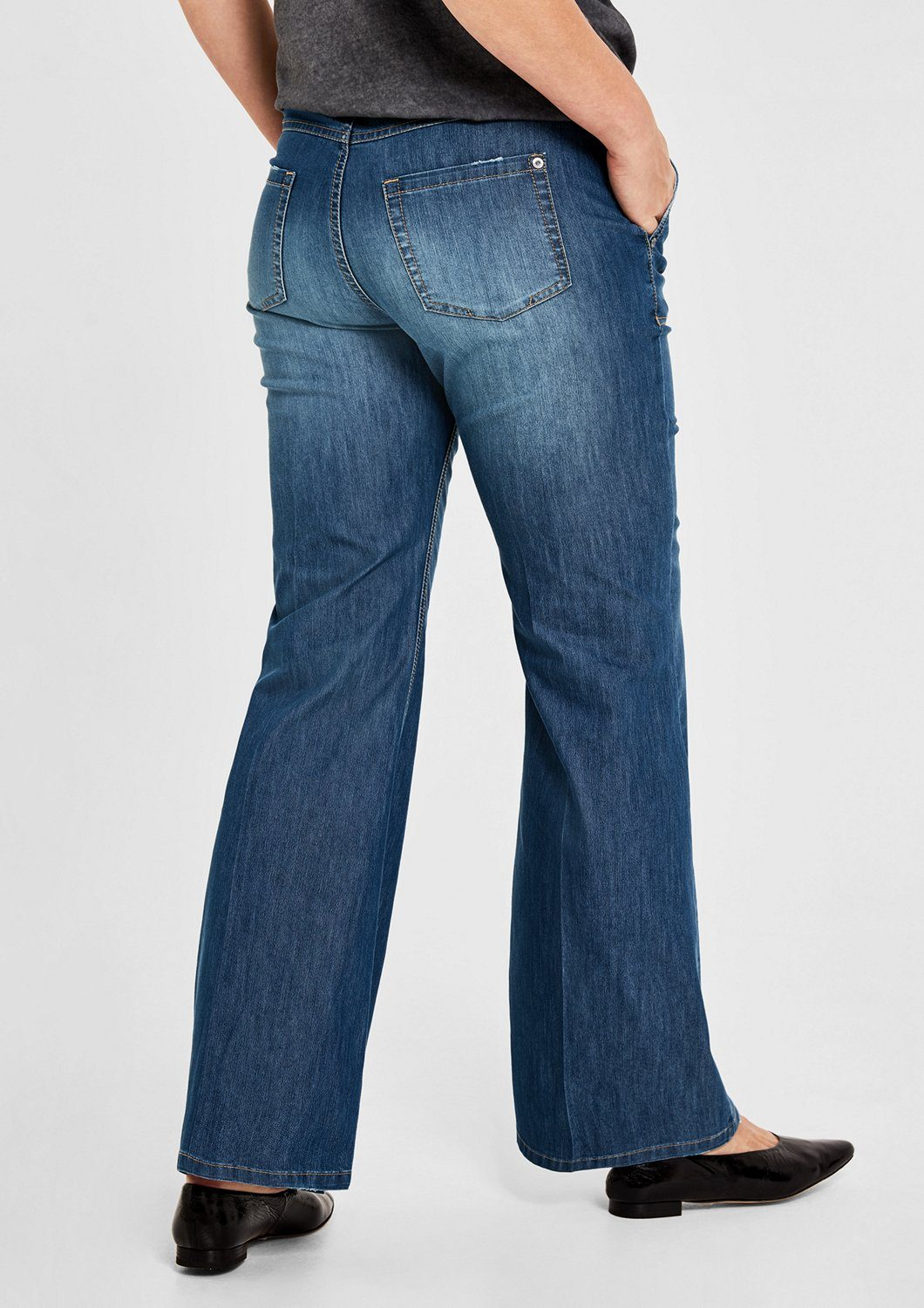 TRIANGLE Curvy Fit: Wide Leg-Jeans