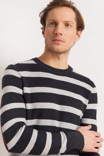 Finn Flare Sweater With A Classic Stripe Pattern