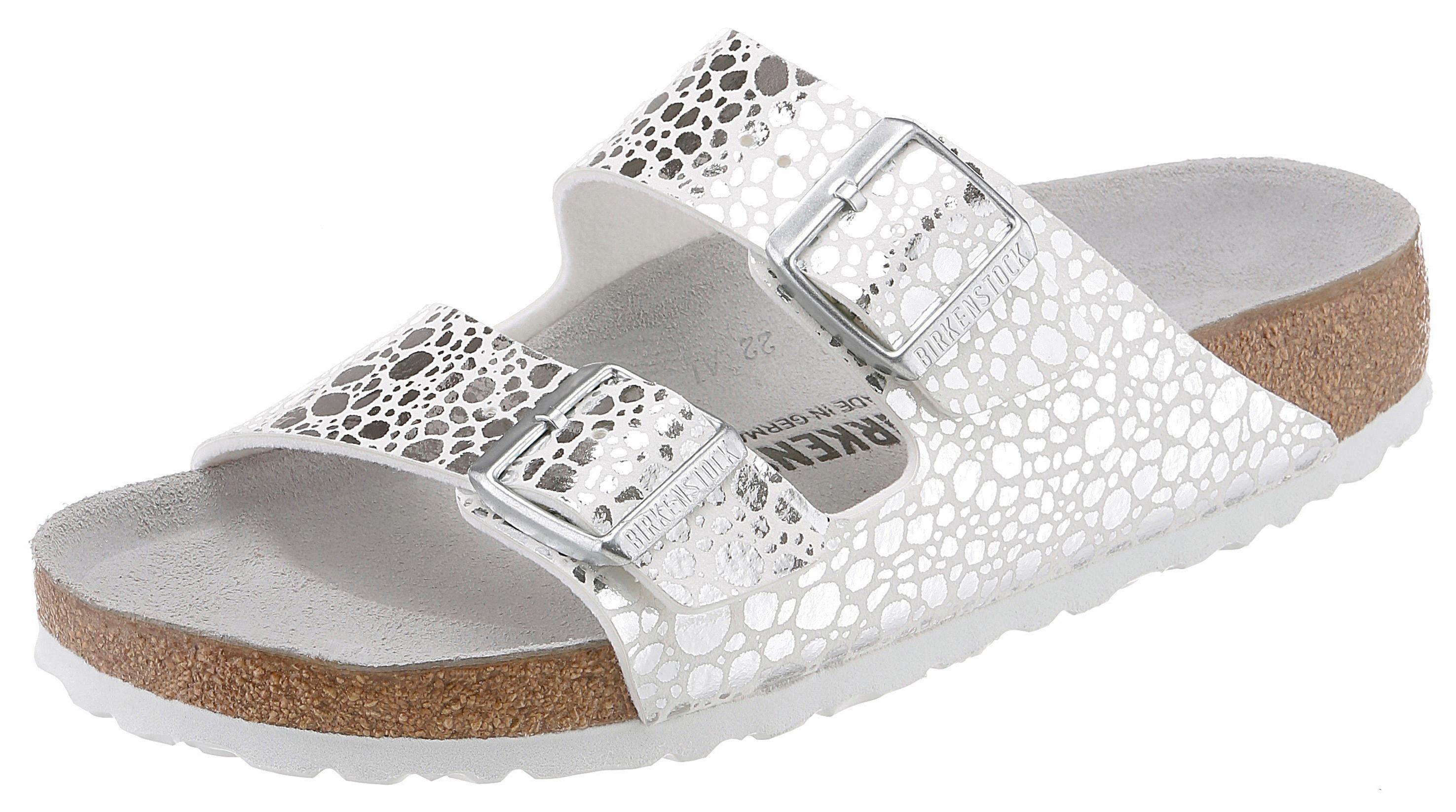 Birkenstock ARIZONA BS Metallic Pantolette, in glänzender Metallic-Optik und schmaler Schuhweite online kaufen  weiß-silberfarben