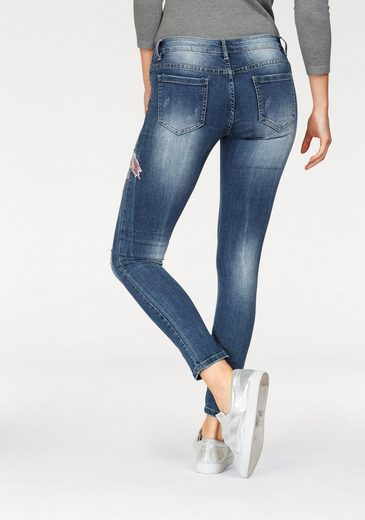 HaILYS Skinny-fit-Jeans FINE, mit Stickerei und Straßsteinen
