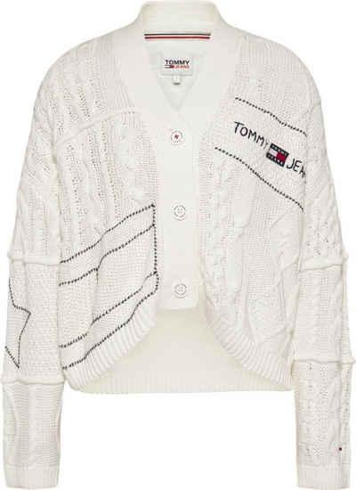Tommy Jeans Strickjacke »TJW Patchwork Heart Cardigan« mit eingestricktem Herzmotiv im Rücken & Strickmustermix