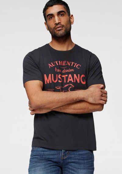 MUSTANG T-Shirt mit großem Logofrontprint