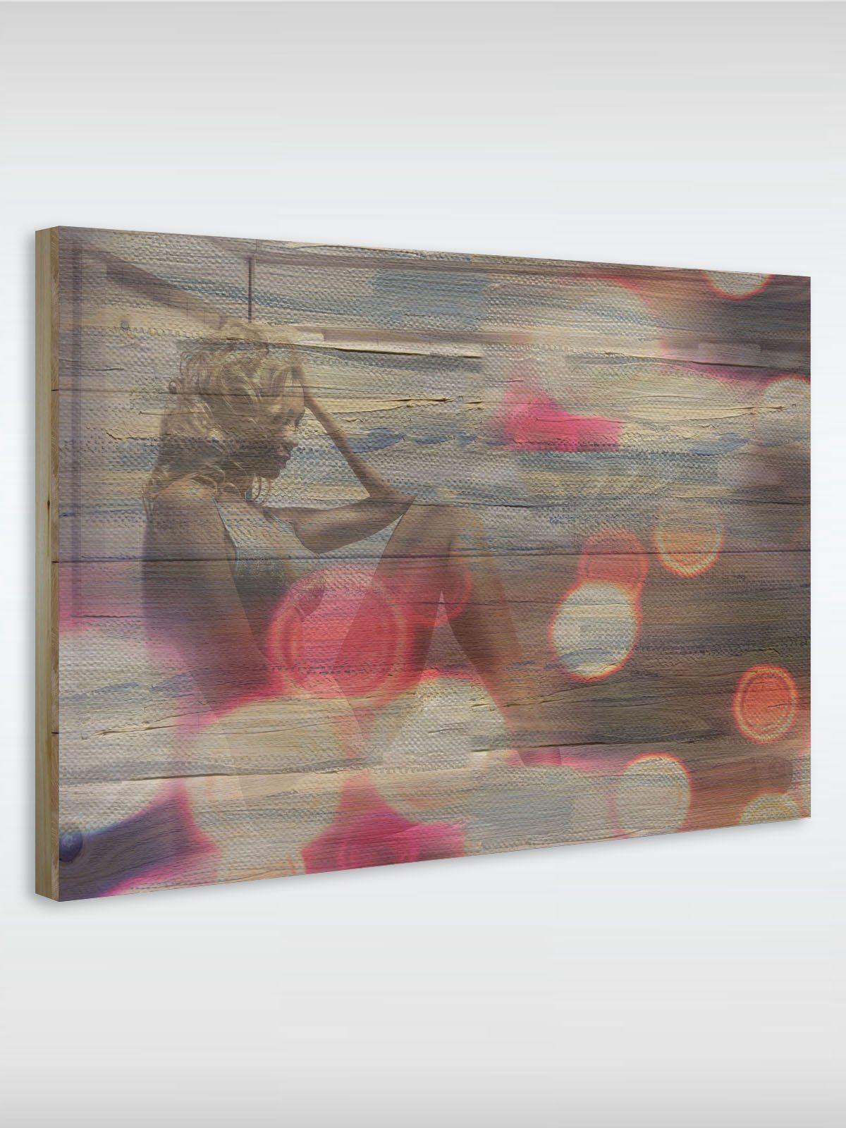 roombird Massiv-Holz Bild mit Druck in den Maßen 50 x 70 cm. »Holzbild Sitting Girl 50 x 70 cm«