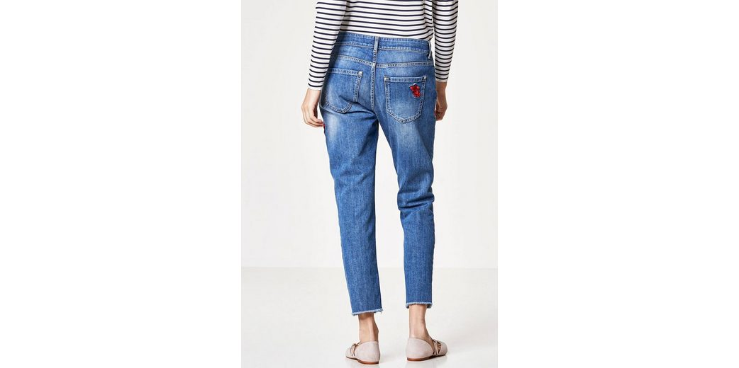 HALLHUBER Slim Boyfriend-Jeans mit Rosenstickerei