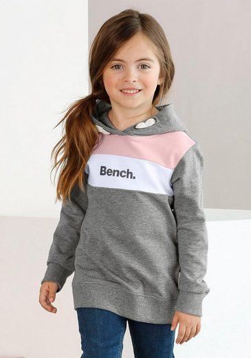 Bench. Kapuzensweatshirt mit kontrastfarbenen Einsätzen