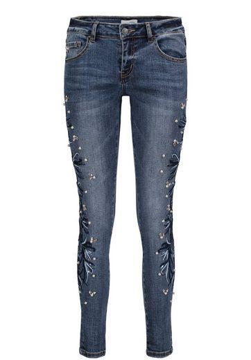Cartoon Jeans mit Stickerei