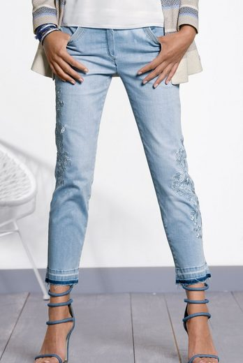 Bianca 7/8 Jeans Shape, With Trendy Embroidery And Fringed Hem