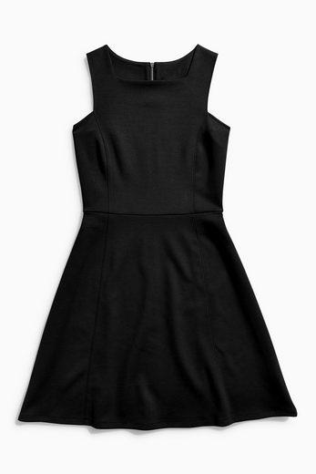 Next Ausgestelltes Kleid