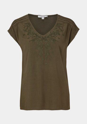 COMMA Jersey-Kurzarmshirt mit dekorativen Stickereien