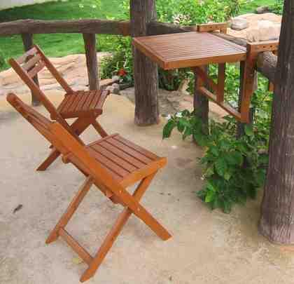 GARDEN PLEASURE Balkonhängetisch »BERKELEY«, Eukalyptus, klappbar, 60x40cm, 2 Stühle, braun