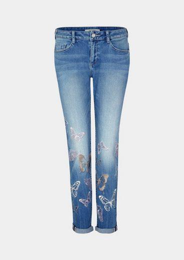 COMMA Jeans im Used-Look mit Schmetterling-Stickereien