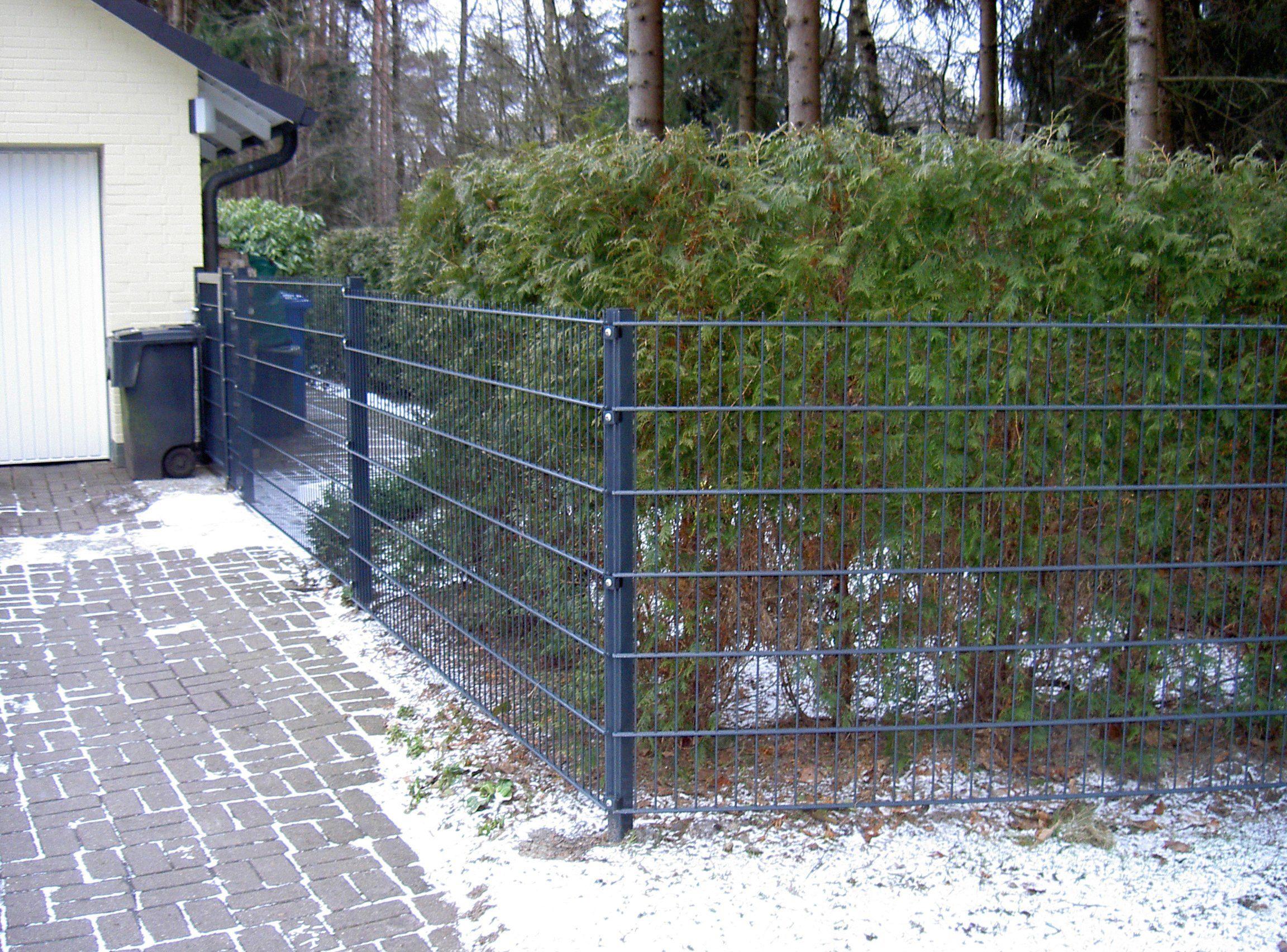 PEDDY SHIELD Einstabmattenzaun 125 cm hoch, 2 Matten für 4 m Zaun, mit 3 Pfosten