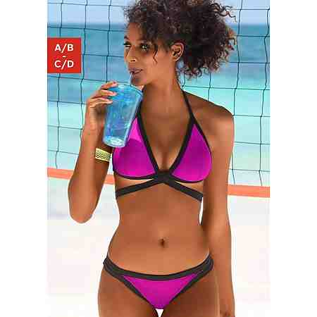 Triangel Bikinis für Fashion-Fans. Regulierbare Tops, mit oder ohne herausnehmbaren Cups, verstellbare Träger, aufregende Formen und lebendige Farben. Entdecken Sie verführerische Triangel-Bikinis.