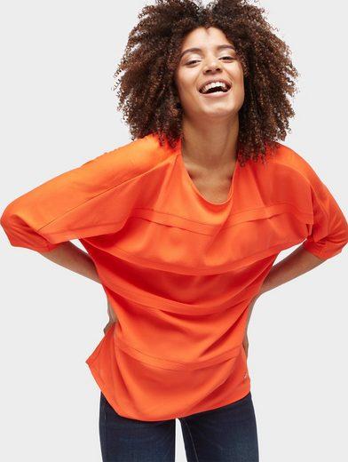 Tailleur De Tom T-shirt Dans Le Mélange De Matériaux