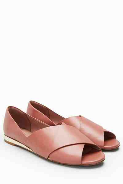 Next Flacher Peeptoe-Schuh mit Kreuzriemchen